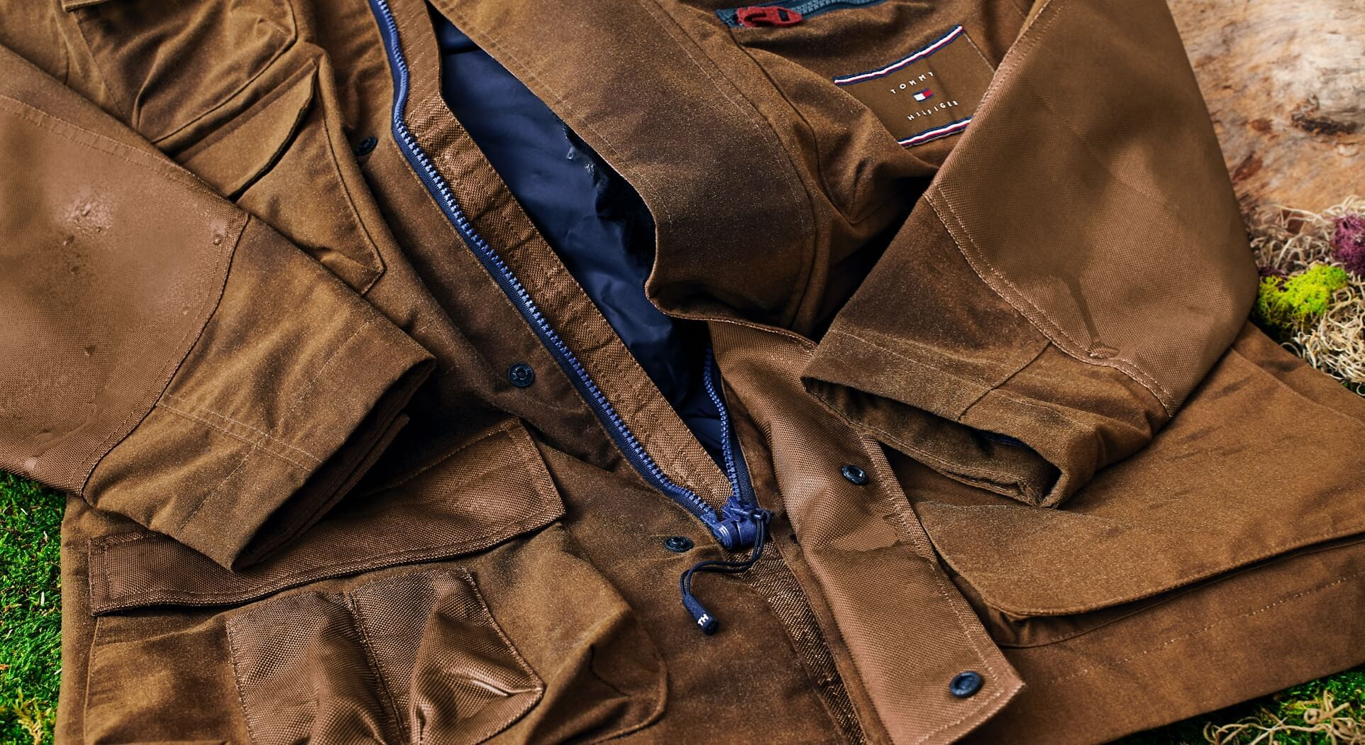 SHOT_3_ADP_ONE-HANDED-ZIPPERS_076_c_R150_D